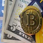 """عملة بيتكوين""""المجنونة"""" تحقق رقماً قياسياً جديداً في السوق الرقمي وتتخطى 6000 دولار"""