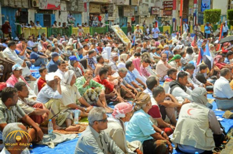 يمنيون يطالبون بترك صلاة الجمعة والجماعة بعدن!
