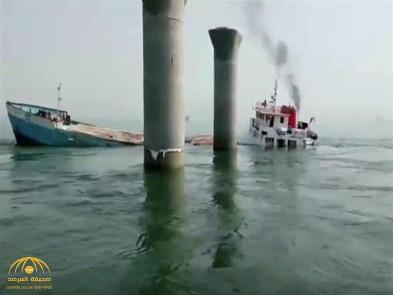 في لحظات قليلة.. شاهد بالفيديو: غرق سفينة إيرانية محملة بالبضائع متوجهة إلى قطر