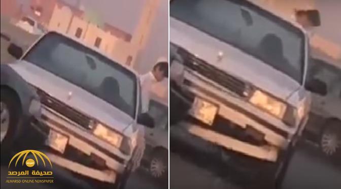 إحداهما تقودها امرأة .. بالفيديو : حادث مروري بين سيارتين في الجموم !