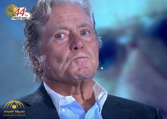 بالفيديو .. حسين فهمي يبكي على الهواء: «عارف إن دي النهاية»