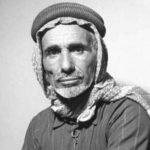 """جاب الصحاري بحثاُ عن ينبوع الخير .."""" بن رمثان"""".. قصة بدوي بـ""""حاسة سادسة"""" دلّ المملكة على النفط"""