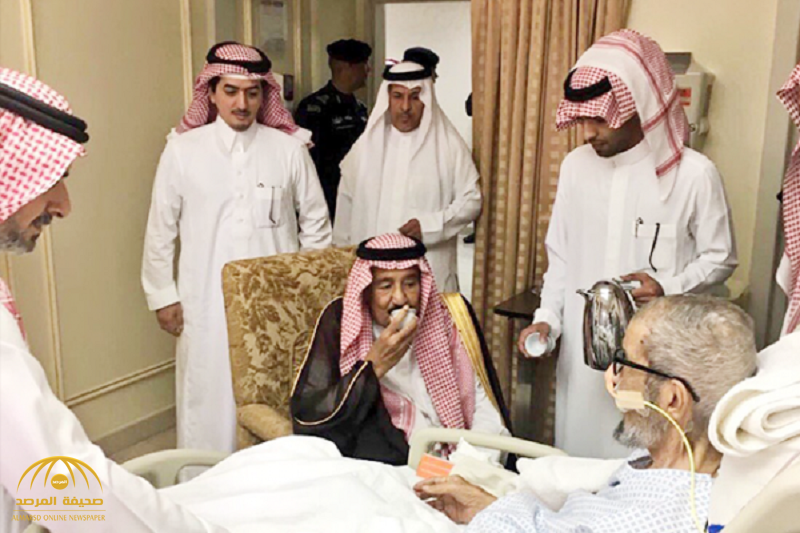 """خادم الحرمين يزور الشيخ """"ناصر الشثري"""" في المستشفى"""