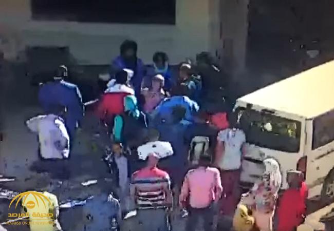 بالفيديو:شاهد لحظة صفع برلماني مصري لموظفة أمن بجامعة الفيوم!