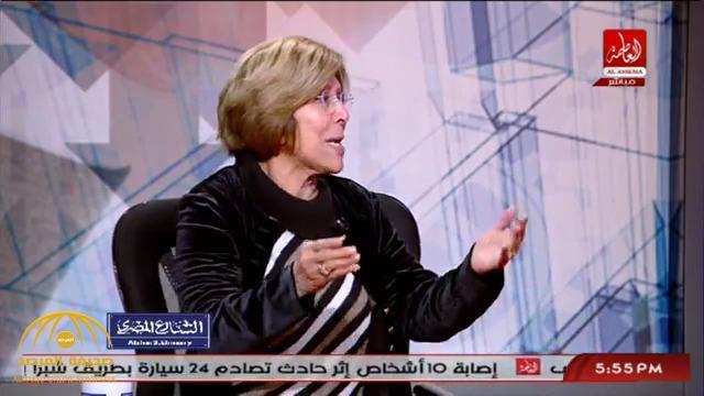 بالفيديو: كاتبة مصرية تهاجم الشيخ الشعراوي بسبب سجدة وتصف النقاب بـ التوك توك