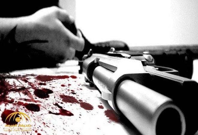 تفاصيل انتحار مواطن خمسيني بطلقة نارية باتجاه فتحة الفم في المخواة .. وهكذا وجدته زوجته!