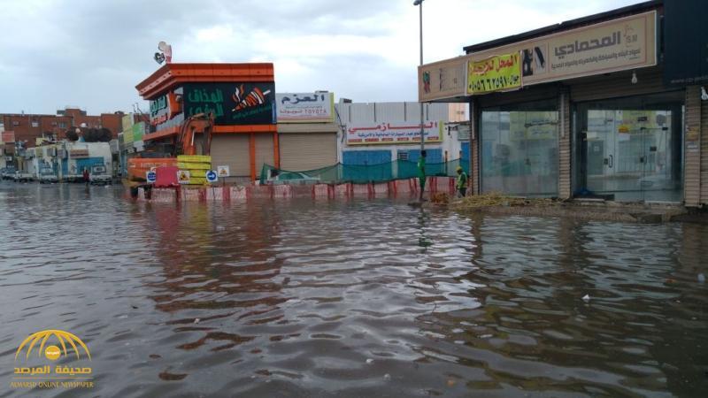 شاهد الأمطار تحول حي القويزة بجدة إلى مدينة فينيسيا الإيطالية