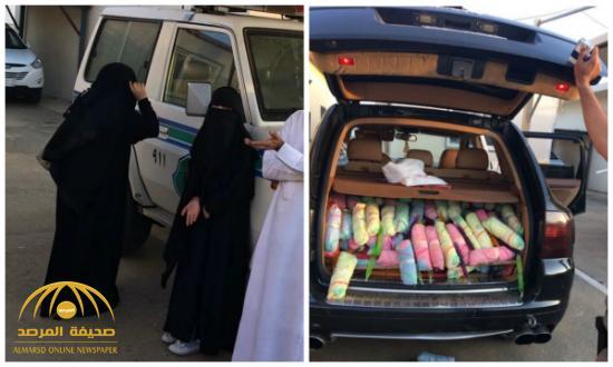 """شاهد بالصور .. يمني برفقته فتاتين بحوزتهم كمية من """"القات"""" داخل سيارة بورش"""