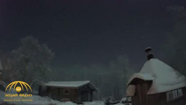 بالفيديو : لحظة سقوط نيزك ضخم على فنلندا .. شاهد كيف تحول الليل إلى نهار