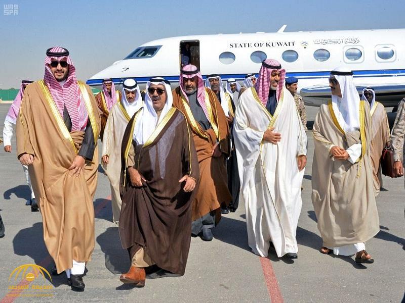 بالصور: وزير الدفاع الكويتي يصل الرياض.. وثلاث قيادات سعودية في استقباله بالمطار!