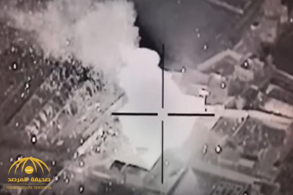 """بها خبراء وفنيين أجانب.. شاهد: لحظة نسف طائرات """"التحالف"""" لورش تصنيع الصواريخ بصعدة"""