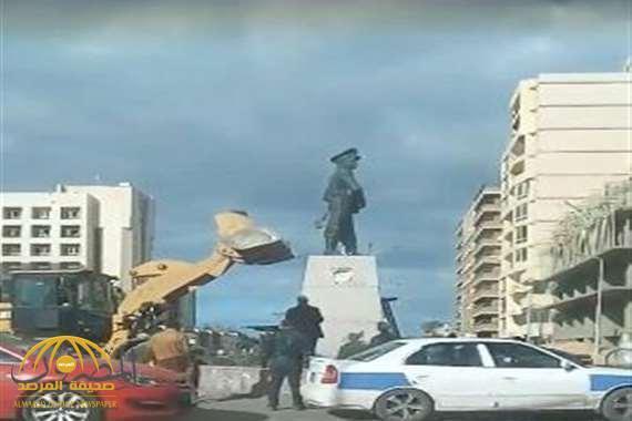 """بالفيديو .. مصر: نحات تمثال عبدالمنعم رياض """"المحطم"""" يكشف مفاجأة حول تكلفة إنشائه!"""