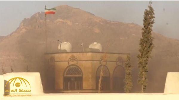 شاهد بالفيديو: لحظة نشوب حريق في السفارة الإيرانية بقذيفة صاروخية في صنعاء