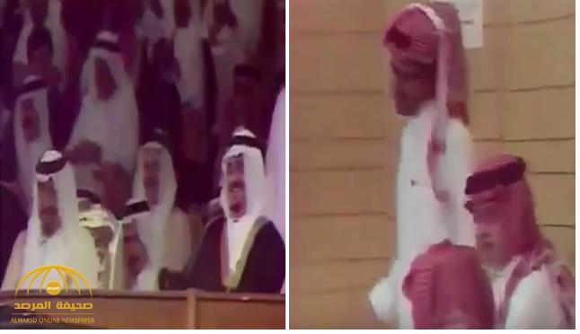 """شاهد .. الأمير """"عبدالرحمن بن مساعد"""" يمثل في مسرحية بحضور الملك فهد !"""