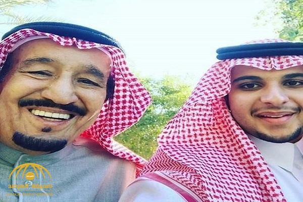 شاهد .. خادم الحرمين في صورة عفوية مع ابن أخيه