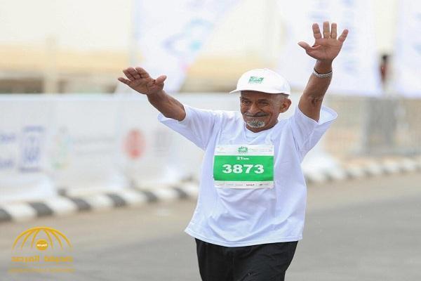 """""""آل الشيخ"""" يوجه بتقديم مكافأة مالية للمسن """"البلوي"""" بعد مشاركته في ماراثون الرياض.. وهكذا تفاعل المغردون"""