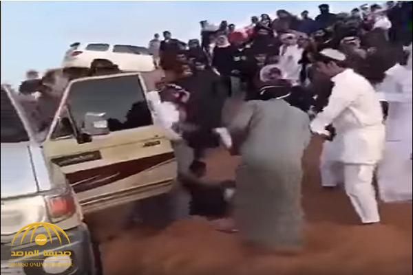 """""""شرطة الرياض"""" تكشف ملابسات مشاجرة بالأسلحة البيضاء في منطقة صحراوية وتحدد هوية الجناة"""