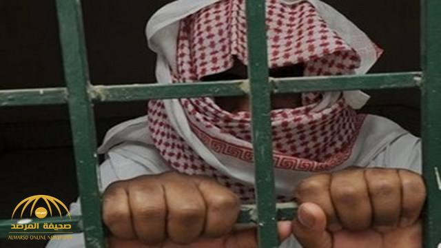 """الحكم بسجن كاتب شهير 5 سنوات بعد اتهام """"الديوان الملكي"""" في لقاء تلفزيوني بتأصيل الفساد الإداري"""
