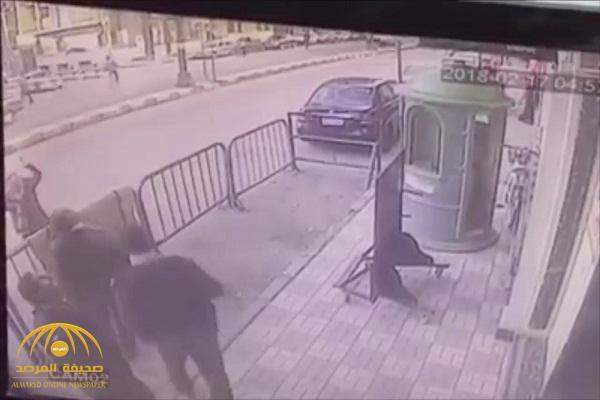 بالفيديو .. لحظة إنقاذ رجل أمن مصري لطفل سقط من الدور الثالث