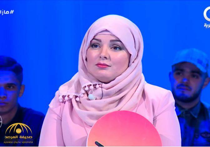 شاهد .. برلمانية جزائرية تثير موجة غضب واسعة : أنا فقيرة وراتبي لا يتجاوز هذا المبلغ البسيط !