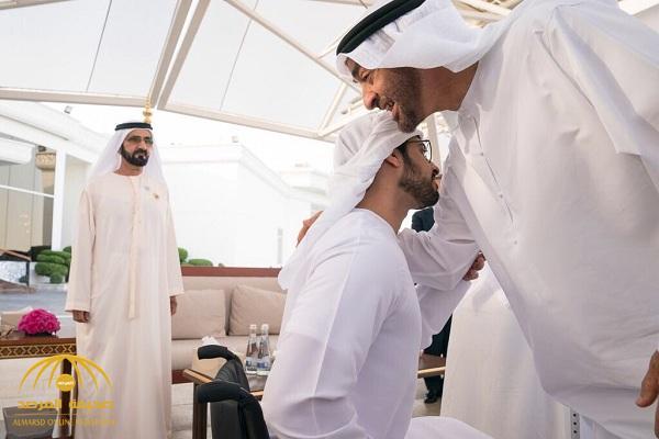 """شاهد.. استقبال حافل لـ """" زايد بن حمدان"""" بالإمارات  أثناء عودته من رحلة علاجية على إثر إصابته في اليمن"""