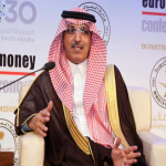 وزير المالية يرد على شكاوى القطاع الخاص بإعادة النظر في رسوم الوافدين