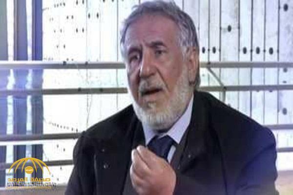 رجل أمن قطري يكشف تفاصيل عزل الشيخ حمد بن خليفة .. وشهادة زور أدلى بها حمد بن جاسم