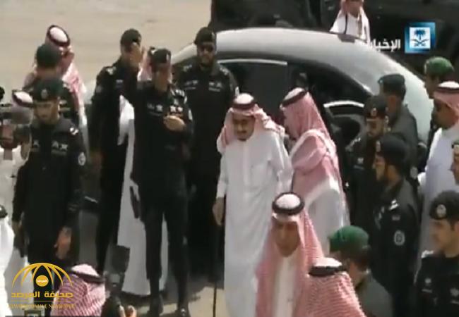 بالفيديو:لحظة وصول خادم الحرمين لمقر تمرين درع الخليج المشترك1