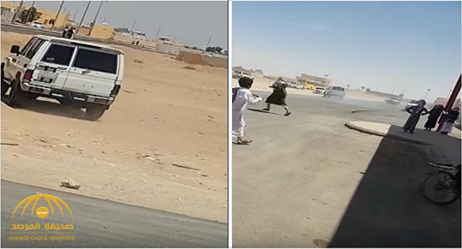 بالفيديو.. شابان يمارسان التفحيط أمام مدرسة بالعيساوية!