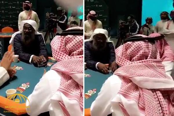"""بالفيديو : الكلباني يشتري صن مغطى .. ويقول للاعبين : """" اللي يفوز لا ينساني من نسبة وإن كانت قليلة"""""""