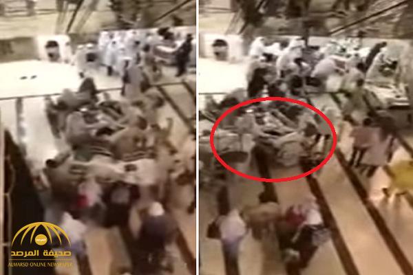 """شاهد: لحظة نقل المرضى خارج مستشفى أجياد بمكة وهم فوق الأسرة.. و""""الصحة"""" تعلق!"""