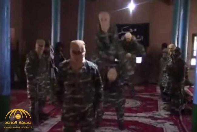 """شاهد الجيش الأميركي ينشر فيديو  أثناء تدريب """"دواعش""""  داخل مسجد في أفغانستان"""
