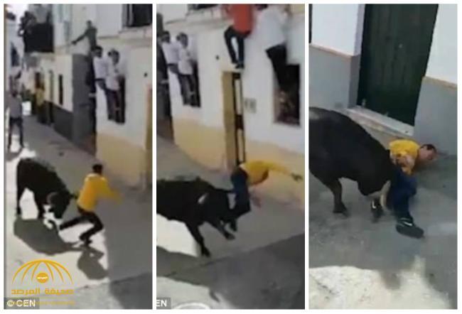 شاهد .. ثور هائج يقتل رجل إسباني بنطحة عنيفة أثناء الاحتفال بعيد الفصح