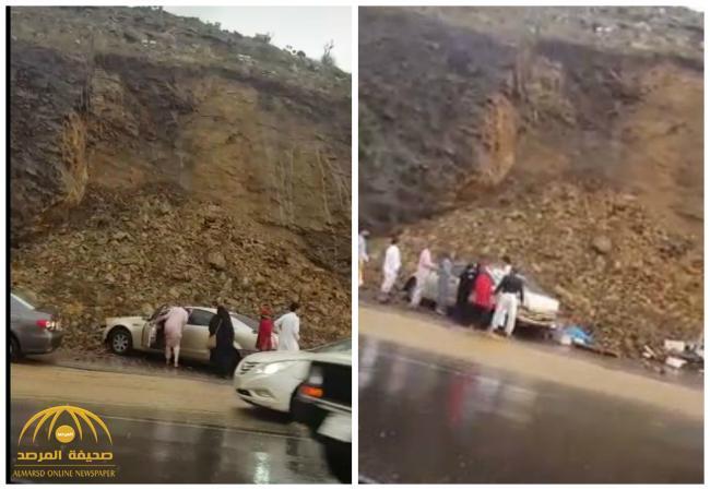 شاهد .. لحظة نجاة الأسر المنتجة والباعة بعد انهيار جبل أبو خيال بأبها .. و«الدفاع المدني» يعلق على الحادث