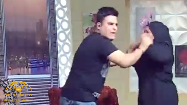 شاهد: مصرية تشتم مذيع وتعتدي عليه بالضرب على الهواء!