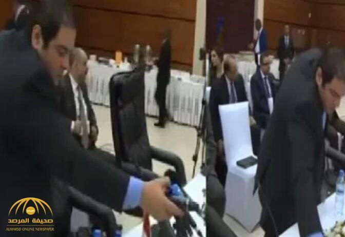 """شاهد ماذا فعل وفد مصري دبلوماسي مع قناة """"الجزيرة"""" في مفاوضات سد النهضة!"""
