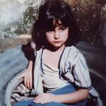 """هل تذكرون الطفلة """"بلية"""" في فيلم العفاريت؟ .. شاهدوا شكلها الآن وكيف بدت بالحجاب – صور"""
