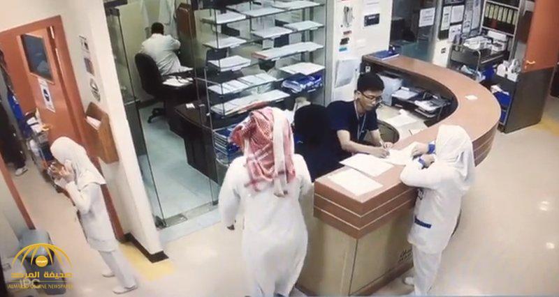 شرطة المدينة توضح تفاصيل طعن ممارس صحي في أحد المستشفيات .. وتكشف عن جنسية الجاني