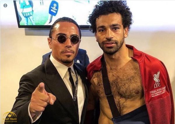"""شاهد.. أول ظهور لـ """"محمد صلاح"""" بعد إصابته في مباراة ريال مدريد"""