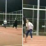 بالفيديو: فتاة تلعب كرة الطائرة مع مجموعة من الشباب!