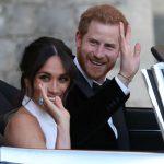 """الأمير """"هاري"""" يهدي ميغان خاتم """"أميرة القلوب"""" -صور"""