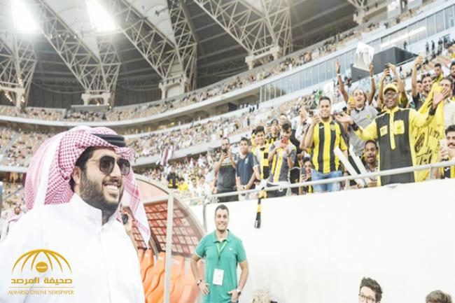 بالفيديو : آل الشيخ يكشف تفاصيل مكالمته لقناة «KSA SPORTS» بعد نهائي الكأس .. ولهذا صفق له الجمهور قبل بداية المباراة