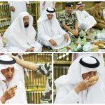 بالصور : أمير مكة المكرمة يشارك رجال الأمن طعام الإفطار في المسجد الحرام