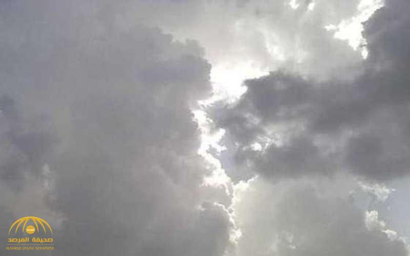 تسبقها رياح مثيرة للأتربة والغبار.. «الأرصاد» تحذر من أمطار رعدية على 11 منطقة