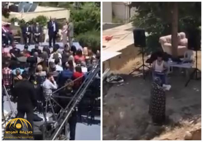 بالفيديو .. سيدة تُعكر صفو الاحتفال بنقل السفارة الأمريكية إلى القدس بطريقة مختلفة جداً