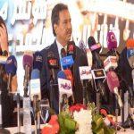 لماذا يرفض محمد عبده الغناء باللهجة المصرية؟.. الفنان يكشف عن السبب من قلب القاهرة! – فيديو