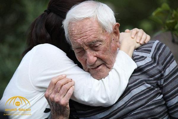 """""""عالم أسترالي"""" ينهي حياته بحقنة مميتة داخل عيادة في سويسرا.. وهذا ما فعله قبل موته بساعات!- صور"""