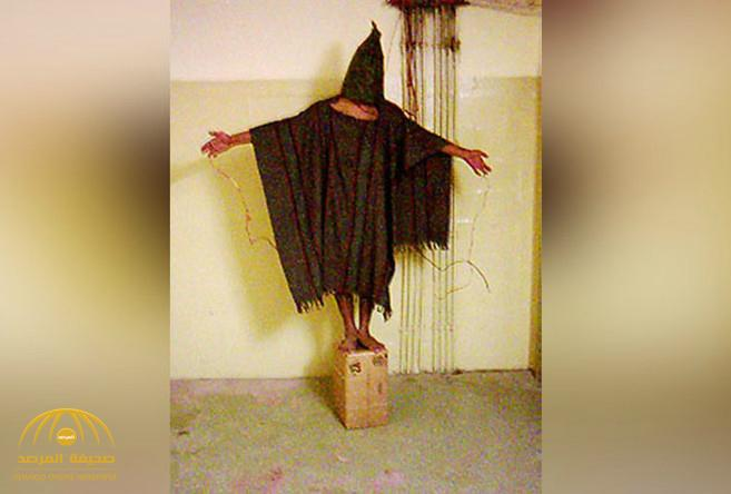 """شاهد: العراقي صاحب أشهر صورة في سجن """"أبو غريب"""" يكشف تفاصيل مثيرة عن لحظة التقاطها"""