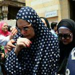 شاهد: الفنانون المصريون يشيعون جنازة مديحة يسري وحالات انهيار لزميلاتها الممثلات