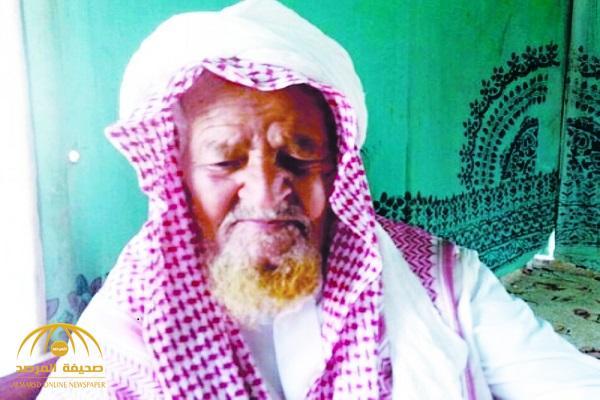 """مواطن تجاوز عمره 100 عام يرفض العيش بـ""""فيلا"""" أولاده.. ويتحدث عن حياته في البادية!"""